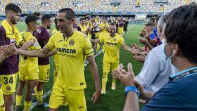 Pasillo del Villarreal a Bruno Soriano y Santi Cazorla