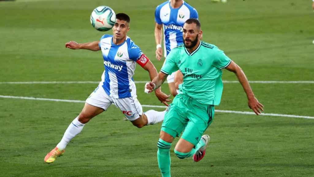 Karim Benzema preparando un disparo a la portería del Leganés
