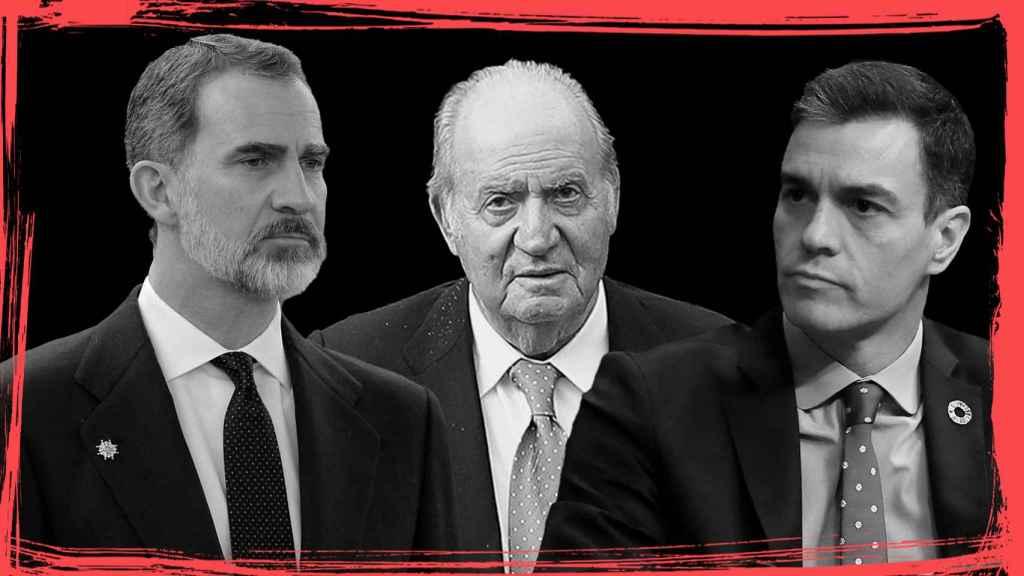 De izquierda a derecha: Felipe VI, Juan Carlos I y Pedro Sánchez.