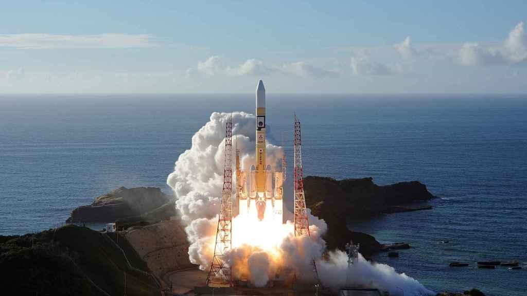 Despegue del cohete de Mitsubishi Heavy industries con la sonda Hope en su interior