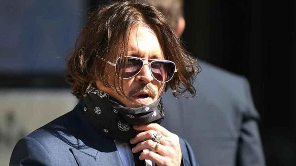 Johnny Depp llegando a los tribunales.