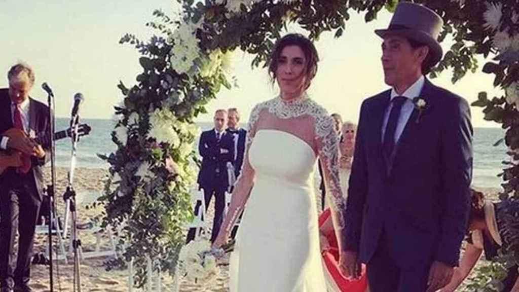 Paz Padilla y Antonio Juan Vidal, el día de su boda en Zahara de los Atunes