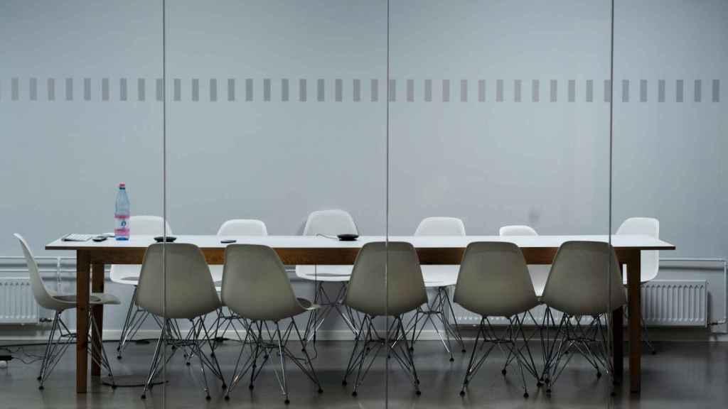 La mesa ha recogido hasta 100 propuestas de directivos y personalidades influyentes en apenas un mes.