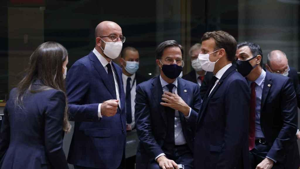 Charles Michel, Mark Rutte, Emmanuel Macron y Pedro Sánchez