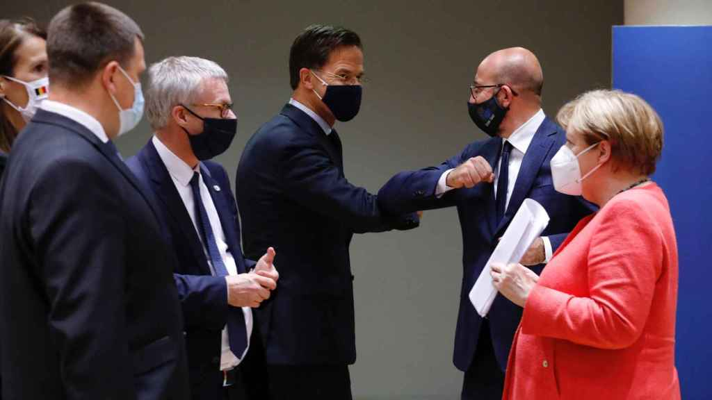 Mark Rutte y Charles Michel celebran el acuerdo