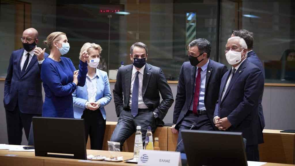 Líderes del Norte y del Sur de la UE, alegres por el acuerdo final
