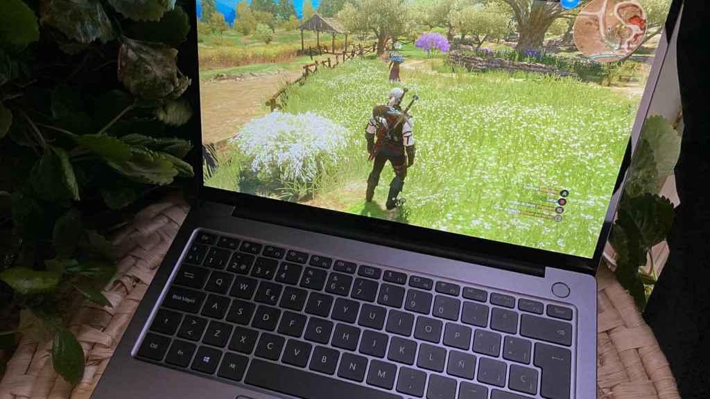 El Huawei MateBook 14 permite jugar, siempre y cuando bajemos los gráficos