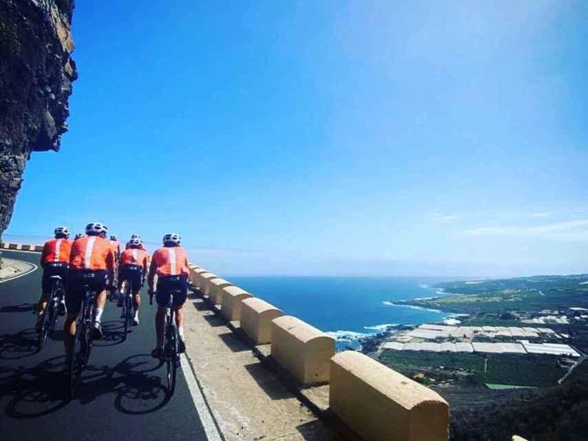 El Team Ineos entrenando en Tenerife