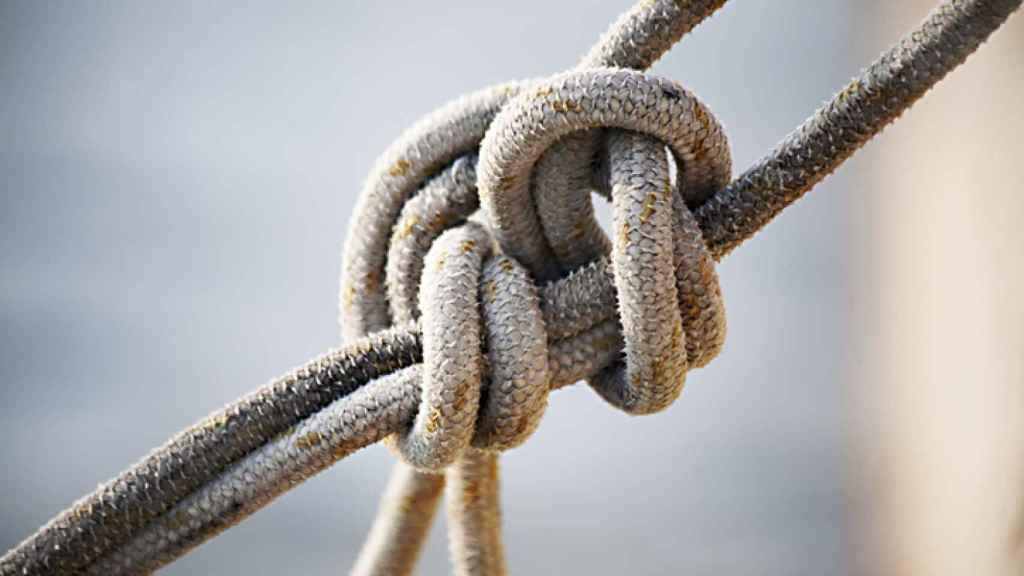 Cinco nudos marineros y cómo aprender a hacerlos