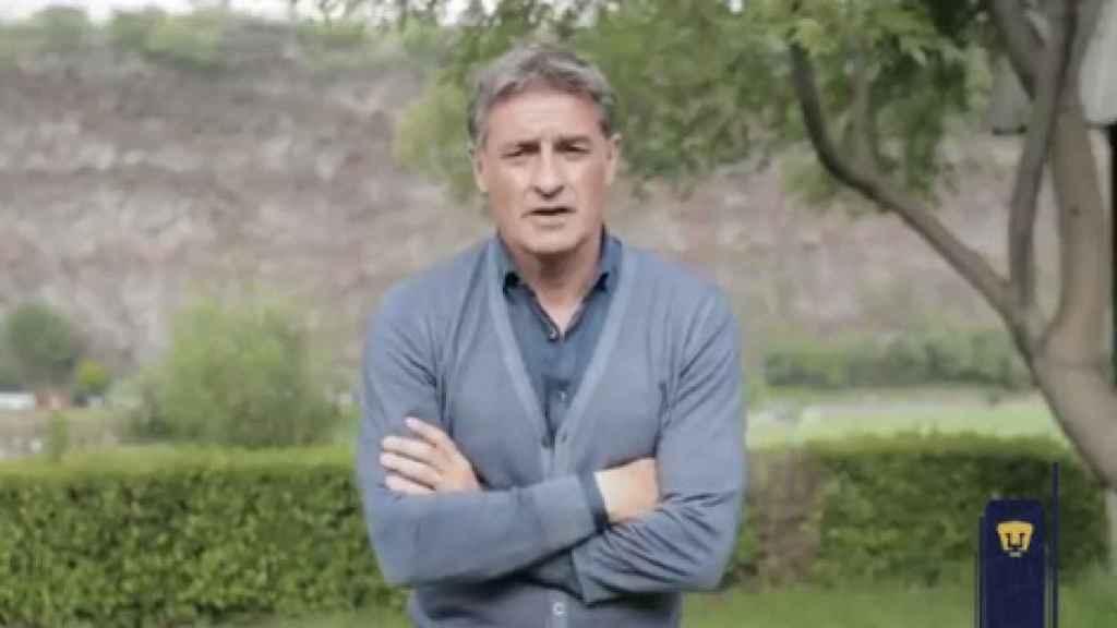 Míchel González, durante su despedida al Pumas