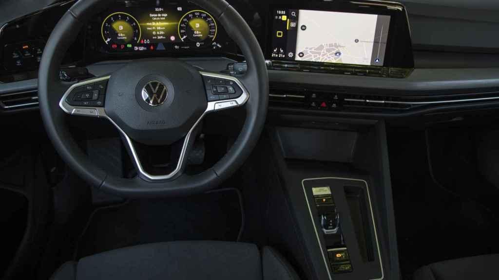 El interior es completamente digital.