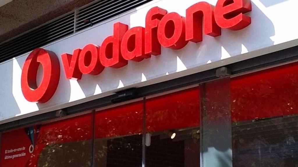 Una tienda de Vodafone, en una imagen de archivo.