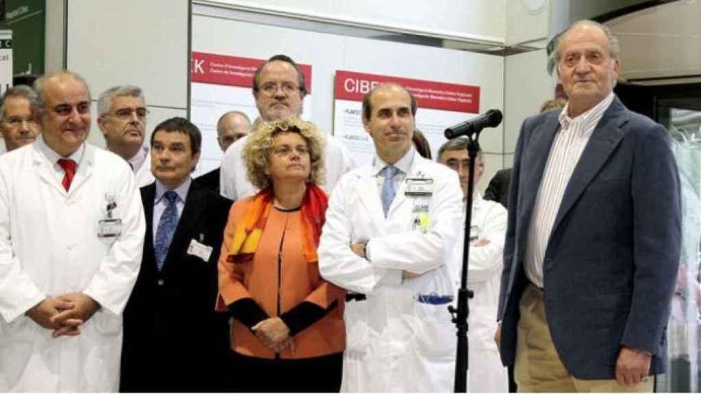El rey Juan Carlos en el Hospital Clínic de Barcelona tras recibir el alta hospitalaria.