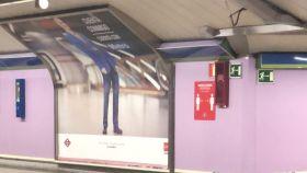 Uno de los criticados anuncios del Metro de Madrid.