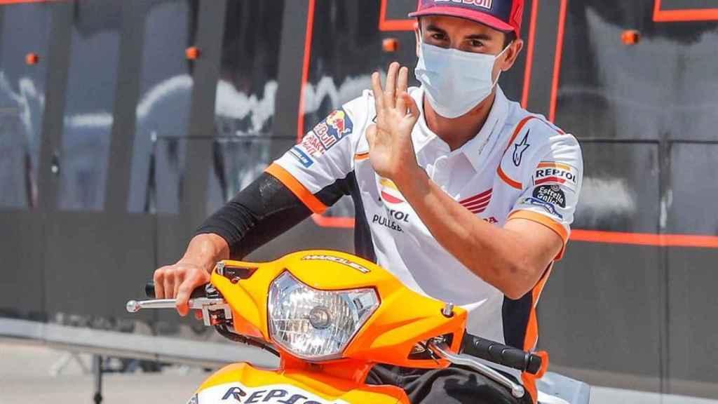 Marc Márquez, sobre su scooter, en el circuito de Jerez-Ángel Nieto.