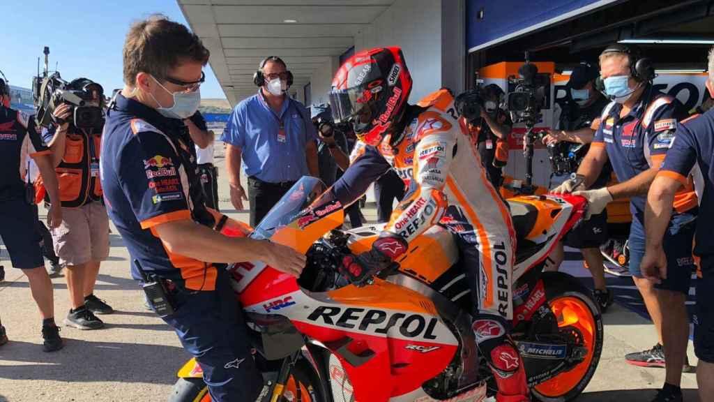 Marc Márquez sale al circuito de Jerez