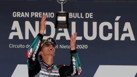 Fabio Quartararo, piloto de Moto GP, celebra la victoria