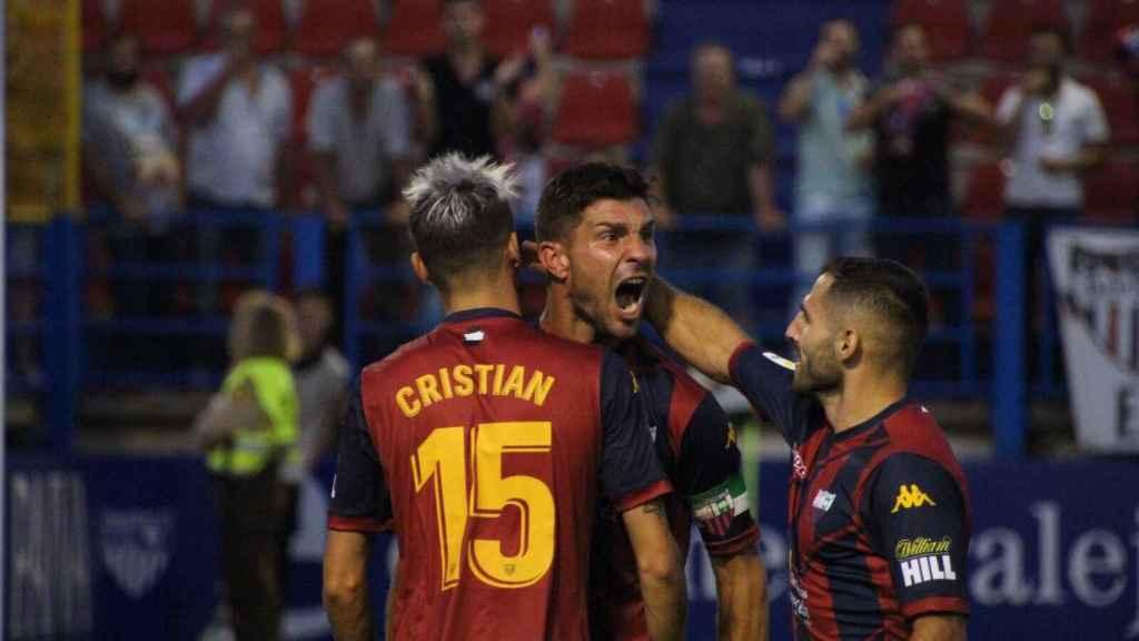 Celebración de un gol del Extremadura