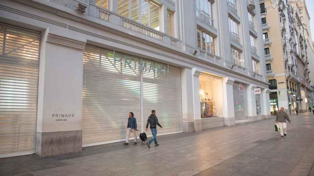 Negocios cerrados en el centro de Madrid tras el anuncio del estado de alarma por el coronavirus.