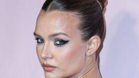 Obsesión 'shiny': la tendencia de maquillaje que arrasa este verano