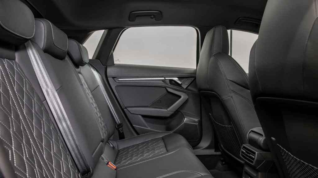 Los asientos traseros son algo más justos.