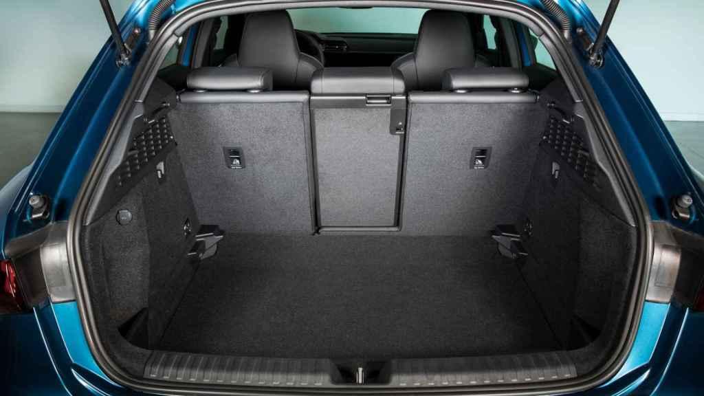 El maletero cuenta con 380 litros de capacidad.