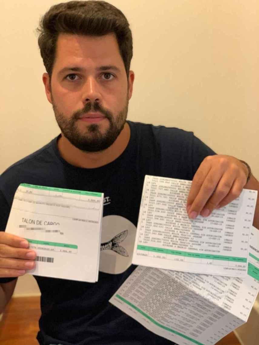 Carlos Santos, a quien le llegaron 39 multas de Madrid Central, y el reciente apremio de Hacienda.