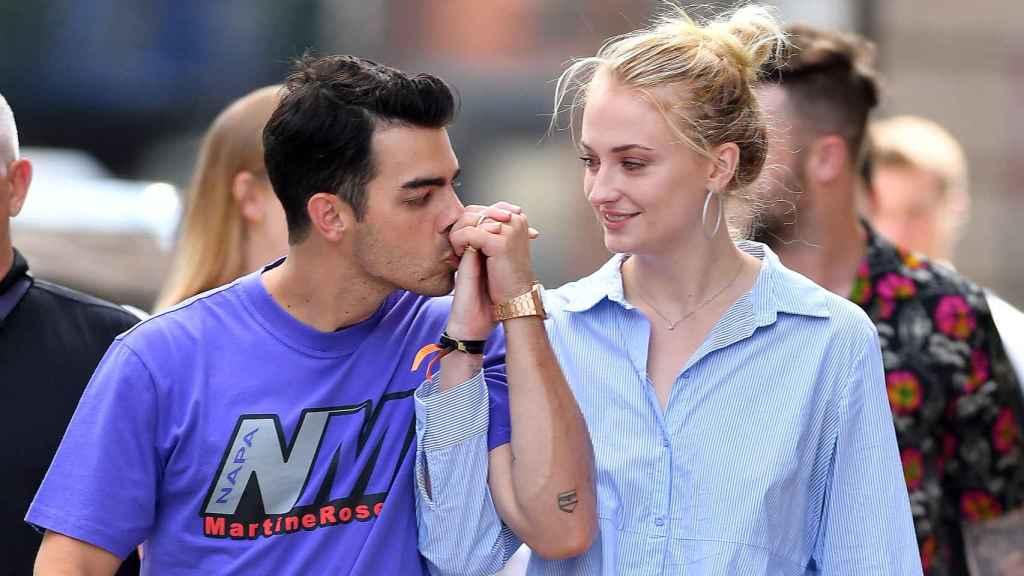 Joe Jonas y Sophie Turner son padres por primera vez.