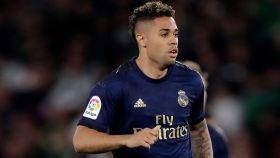 Mariano Díaz en un partido con el Real Madrid