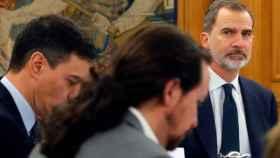 El Rey Felipe VI preside un Consejod e Ministros, junto a Pedro Sánchez y Pablo Iglesias, en Zarzuela.