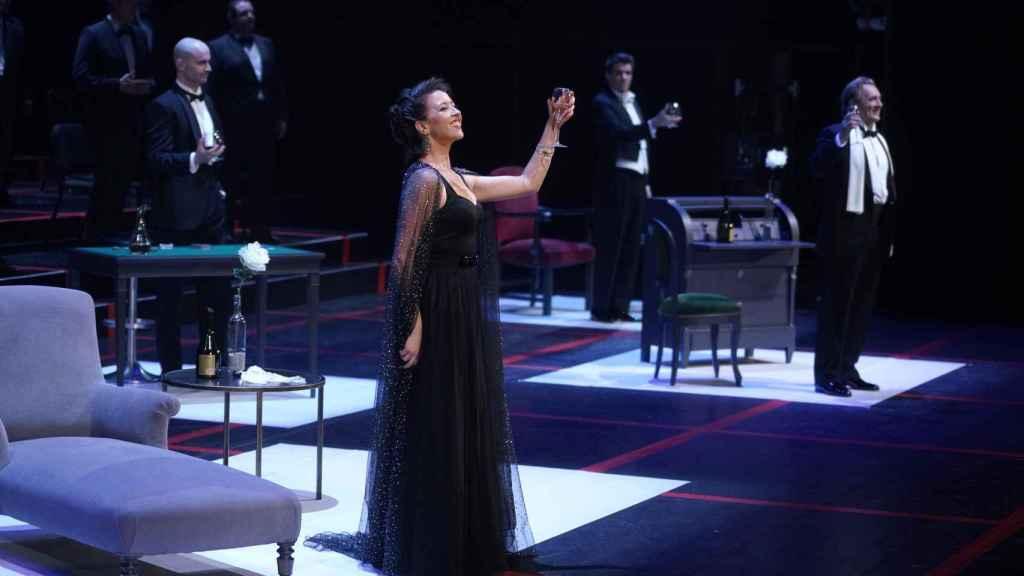 Lisette Oropesa sobre el escenario del Teatro Real.