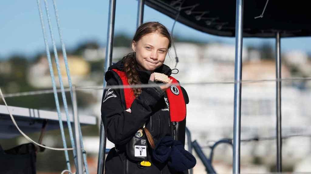 Greta Thunberg a bordo del catamarán con el que llegó a Portugal para asistir a la cumbre COP25 celebrada en Madrid en diciembre de 2019.