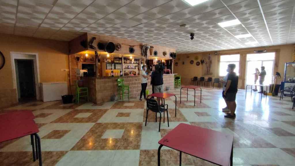 El interior del bar Layso, en El Álamo.