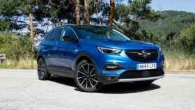 Opel incorpora a su gama SUV la versión híbrida enchufable del Grandland X.