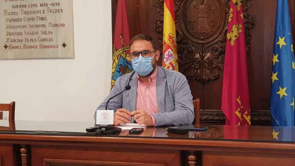 El alcalde de Lorca, el socialista Diego José Mateos, es uno de los tres regidores que ha declinado ofrecer edificios públicos a los inmigrantes.