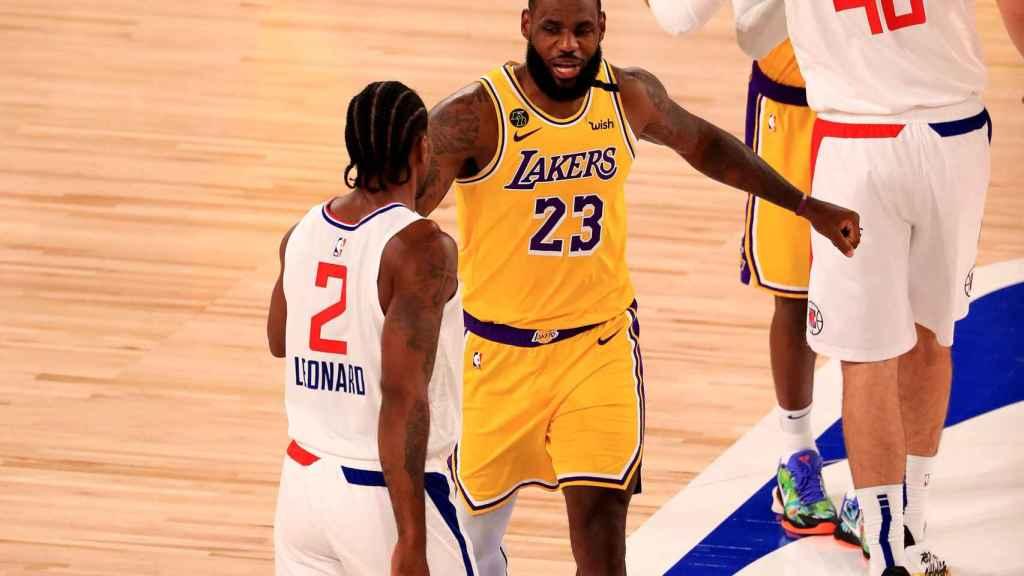 LeBron James y Kawhi Leonard