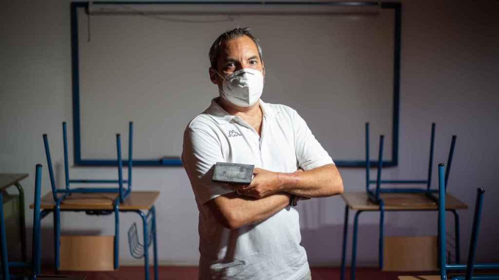 Alfonso, nombre ficticio, director de un Colegio de la Barriada Los Carteros, en Sevilla.