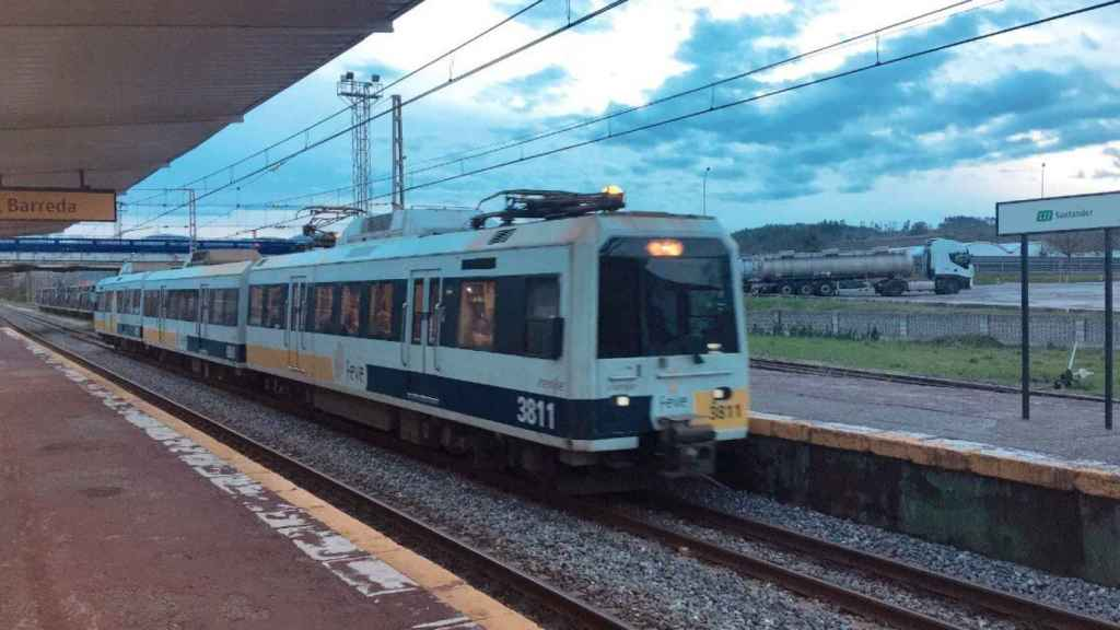 Tren de Cercanías en Cantabria.