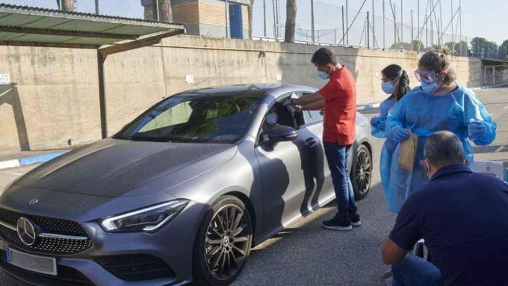Un futbolista del Zaragoza pasa los test del Covid-19 desde el coche