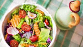 Una dieta sana se basa sobre todo en  el consumo de fruta y verduras.