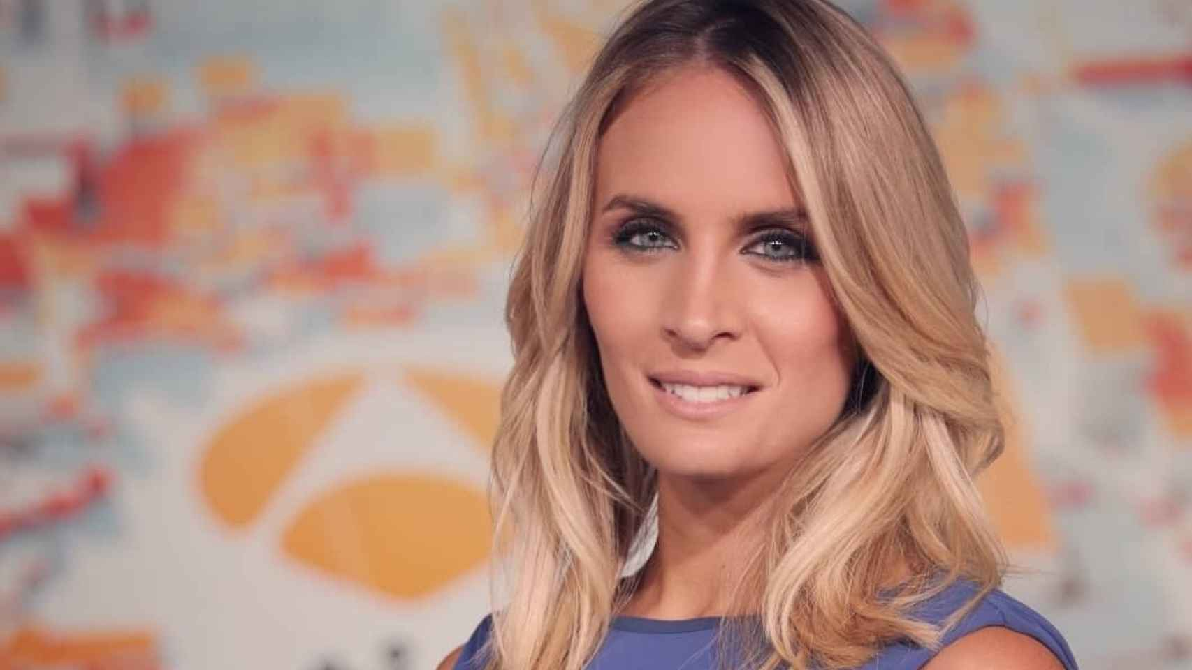 Angie Rigueiro presenta 'Antena 3 Noticias'.