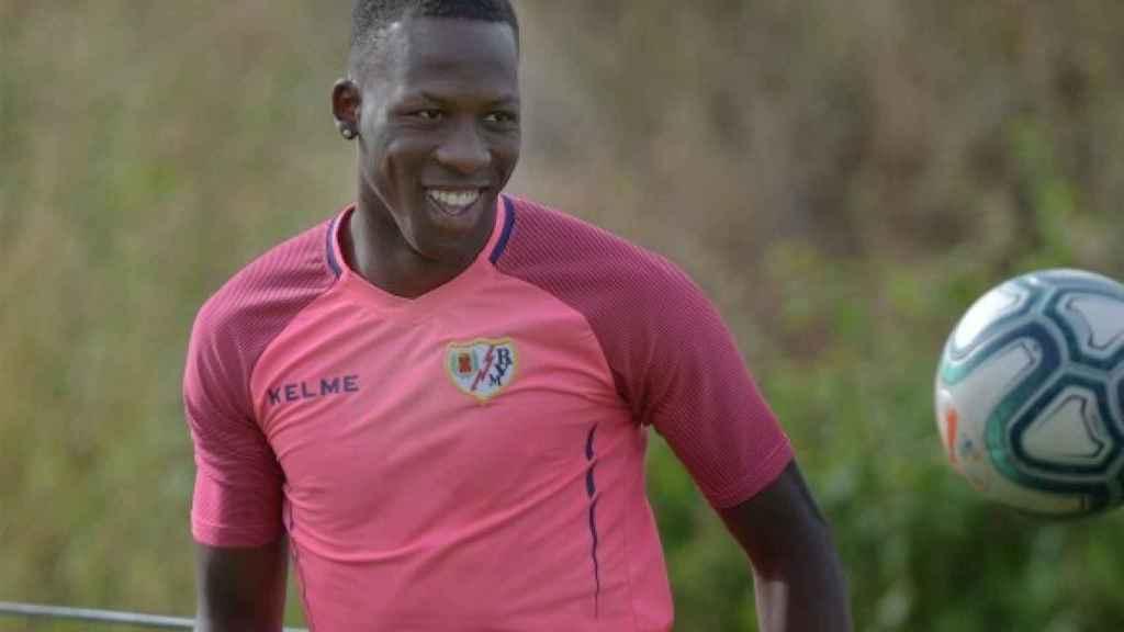 Advíncula: Me gustaría jugar más en el Barça que en el Madrid