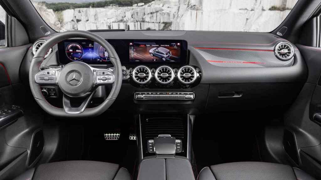 El interior está completamente digitalizado.