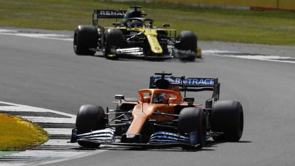 Carlos Sainz compite en el Gran Premio de Gran Bretaña