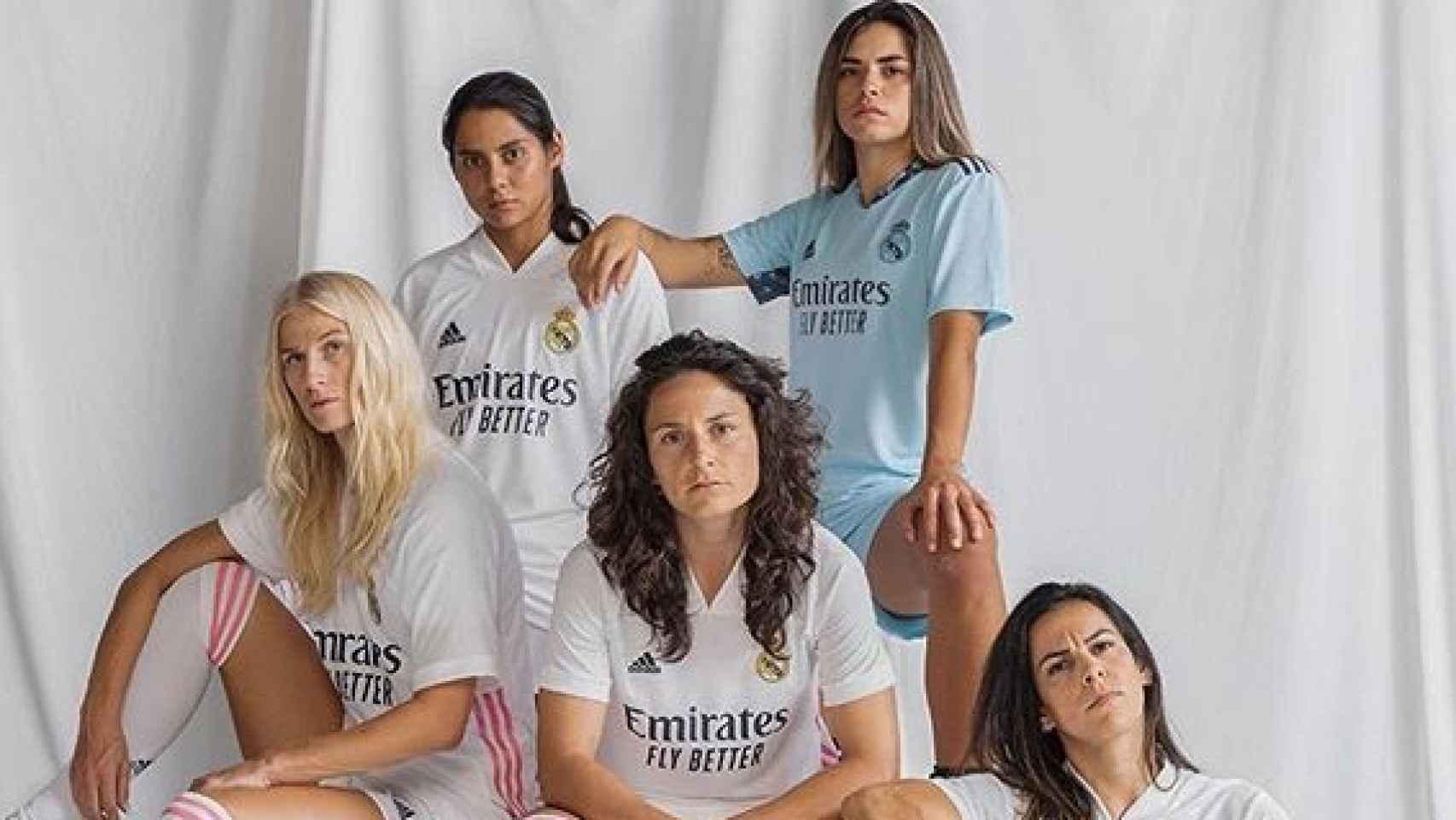 Jugadoras del Real Madrid Femenino, con la nueva camiseta