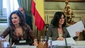 María Jesús Montero y Carolina Darias.