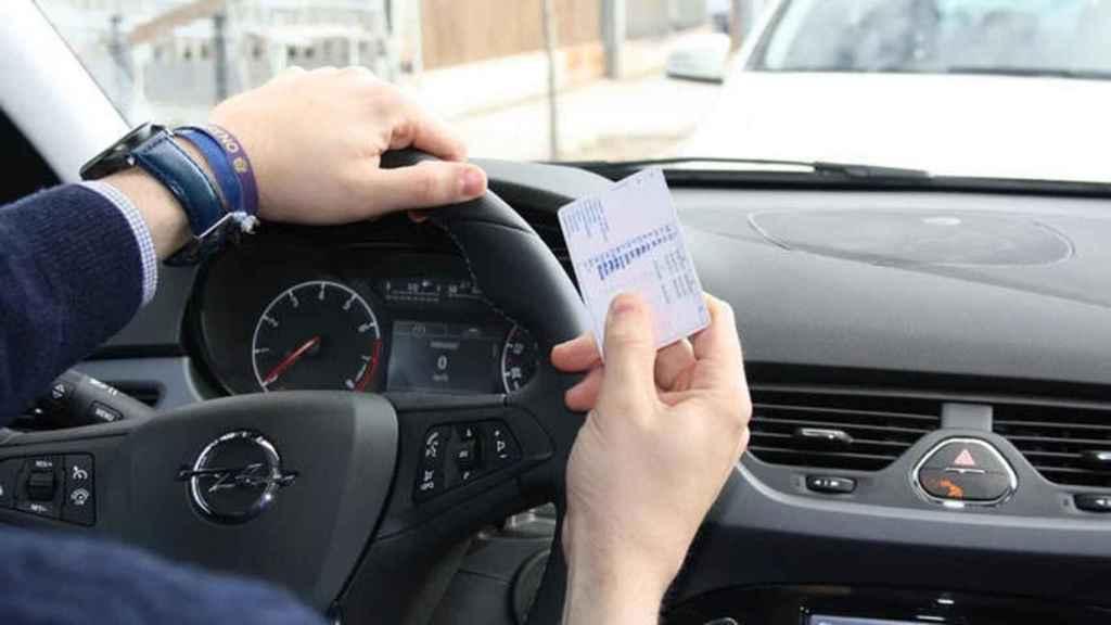 La DGT está a punto de finalizar el plazo extra para la renovación del carné de conducir.