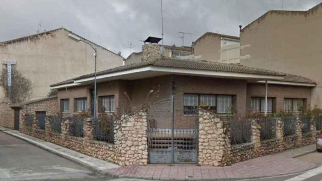 La fachada de la casa donde vivieron los abuelos paternos de Sara Carbonero en Corral de Almaguer.