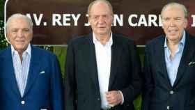 Don Juan Carlos, con dos de los hermanos Fanjul