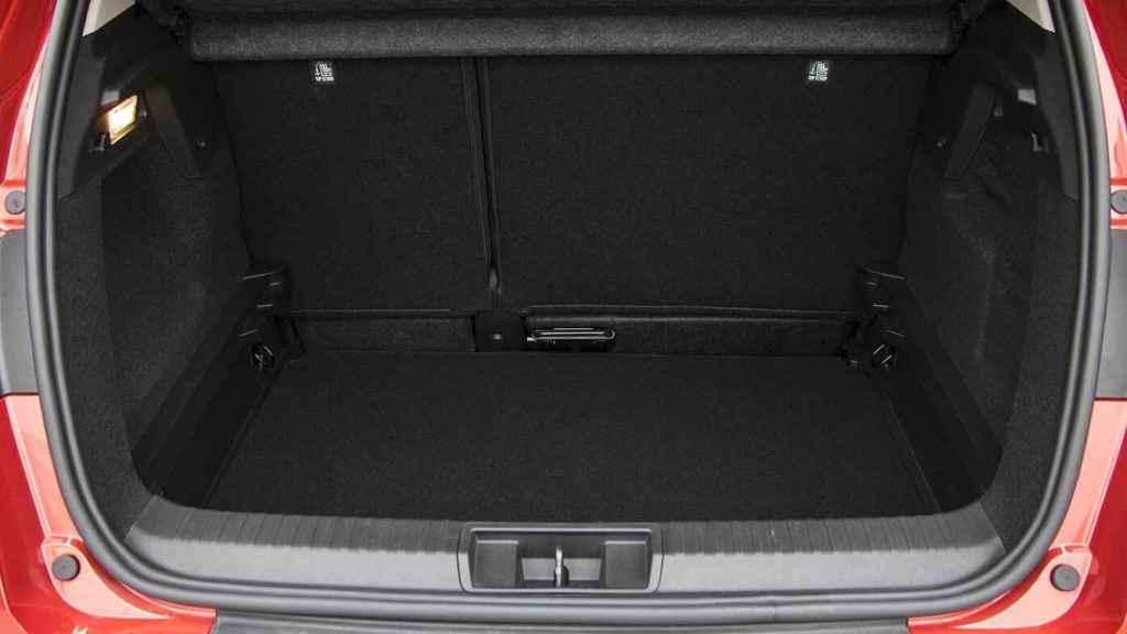El maletero tiene buena capacidad y formas redondeadas.